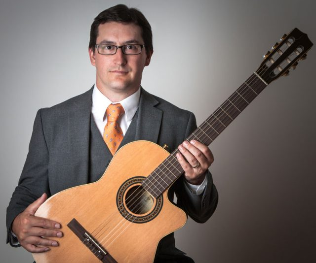 Dan Bruce – Guitar